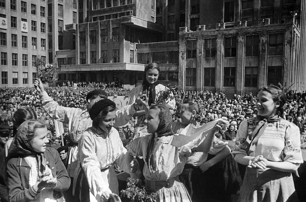 На улицах Минска в День Победы, 9 мая