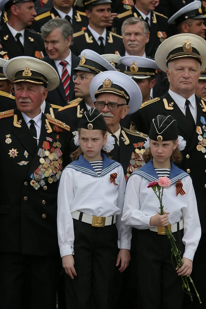 """Впервые парад, посвященный Дню Победы, в Севастополе был проведен 9 мая 1965 года после присвоения ему звания """"Города-героя"""""""