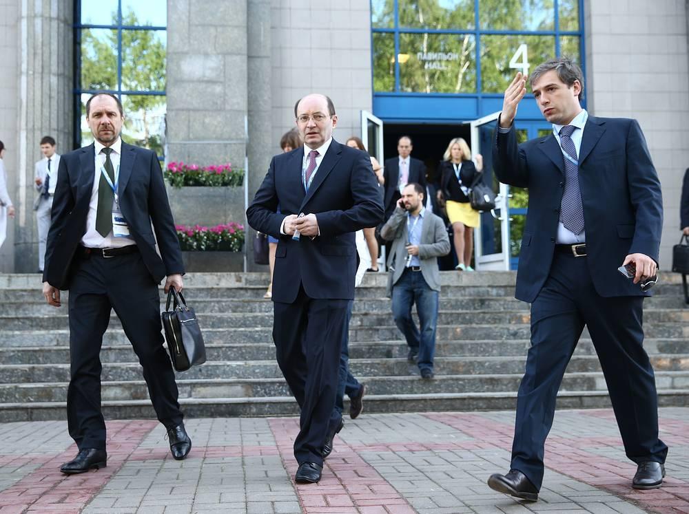 Участие в ПМЭФ подтвердили главы 146 крупных мировых и 450 ведущих российских компаний, 109 представителей официальных делегаций из 62 государств