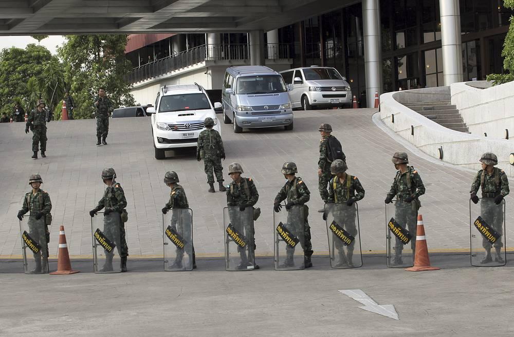 Военные начали зачистку Бангкока от демонстрантов
