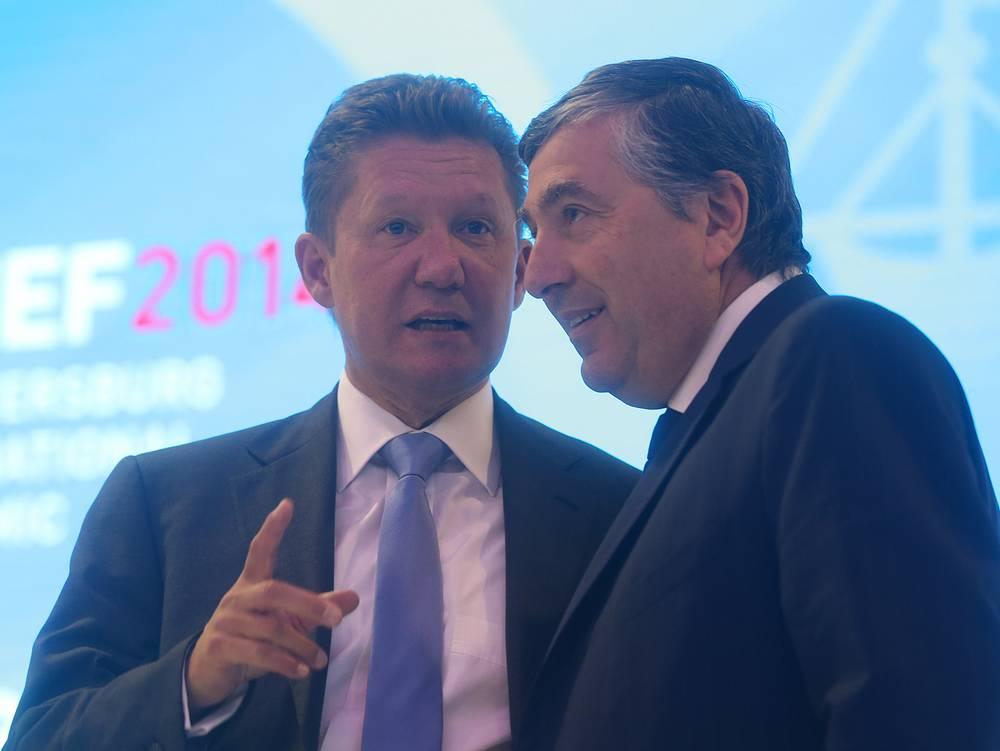 """Председатель правления """"Газпрома"""" Алексей Миллер и президент, вице-председатель совета директоров GDF Suez Жан-Франсуа Сирелли (слева направо) во время сессии """"Изменение географии глобального газового рынка"""""""