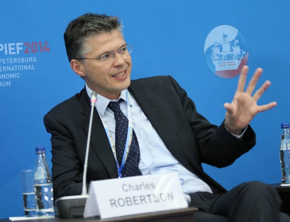 """Главный экономист Renaissance Capital Чарльз Робертсон во время  сессии """"Малые и средние предприятия как основа глобальной конкурентоспособности России"""""""