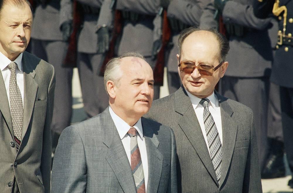 Войцех Ярузельский и Михаил Горбачев, Варшава, 1988 год