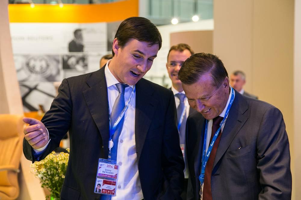 Председатель Совета директоров ОАО Газпром  Виктор Зубков и Председатель Правления ОАО Россельхозбанк Дмитрий Патрушев
