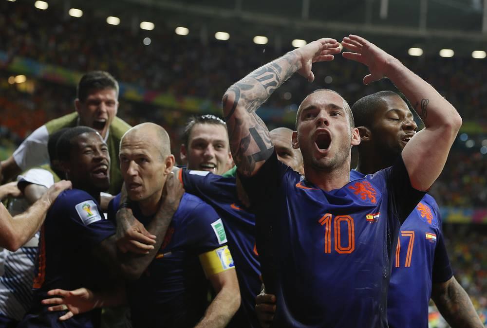 Голландцы отомстили за поражение в финале ЧМ-2010