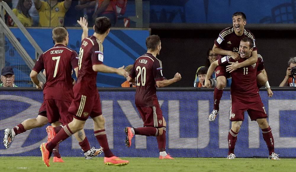 Радость футболистов сборной России