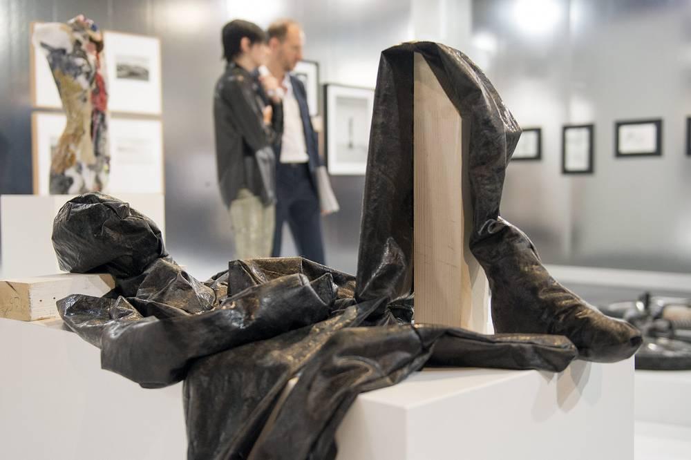 Скульптура немецкого художника Александра Биркена, галерея BQ (Берлин)