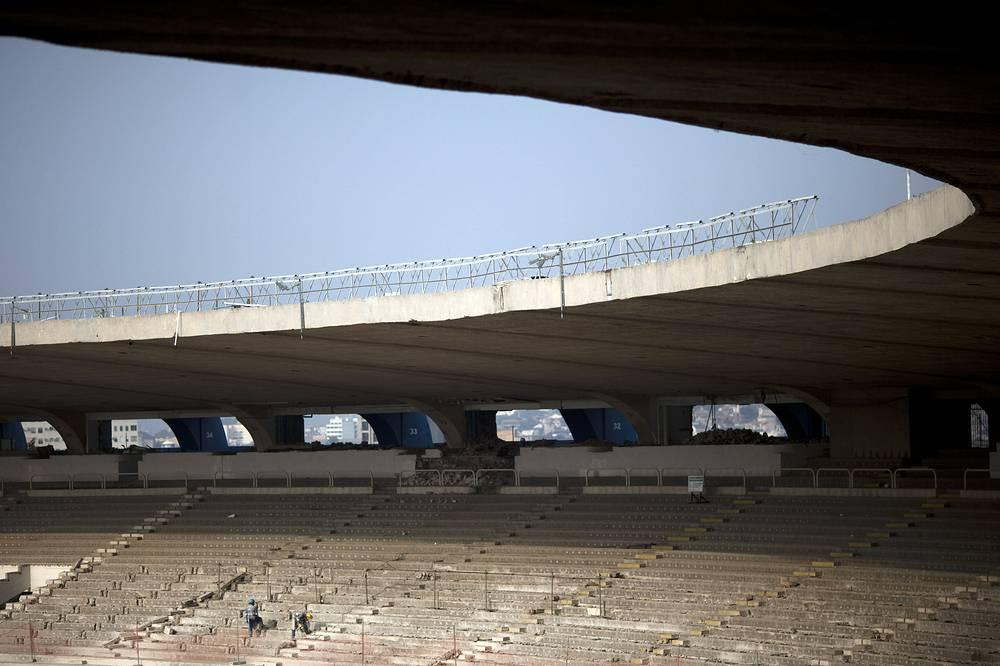 """Для соответствия требованиям ФИФА количество мест на время чемпионата мира сокращено до 73 531. Стадион """"Маракана"""" после реконструкции утратил статус крупнейшего стадиона Южной Америки и не входит в Топ-50 самых крупных стадионов мира"""