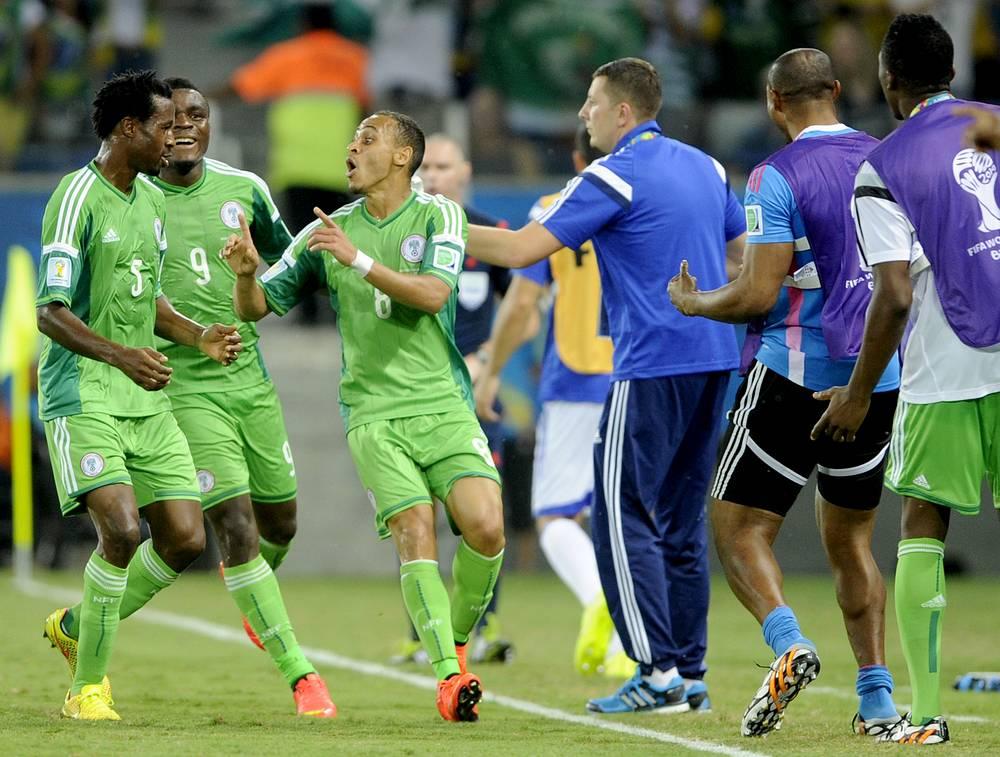 Радость футболистов сборной Нигерии