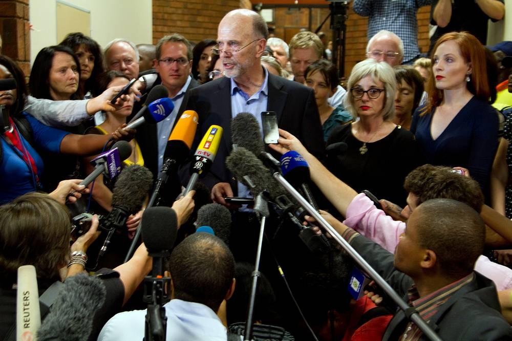 22 февраля 2013 года судья разрешил Оскару Писториусу выйти на свободу под залог, равный 1 млн рандов