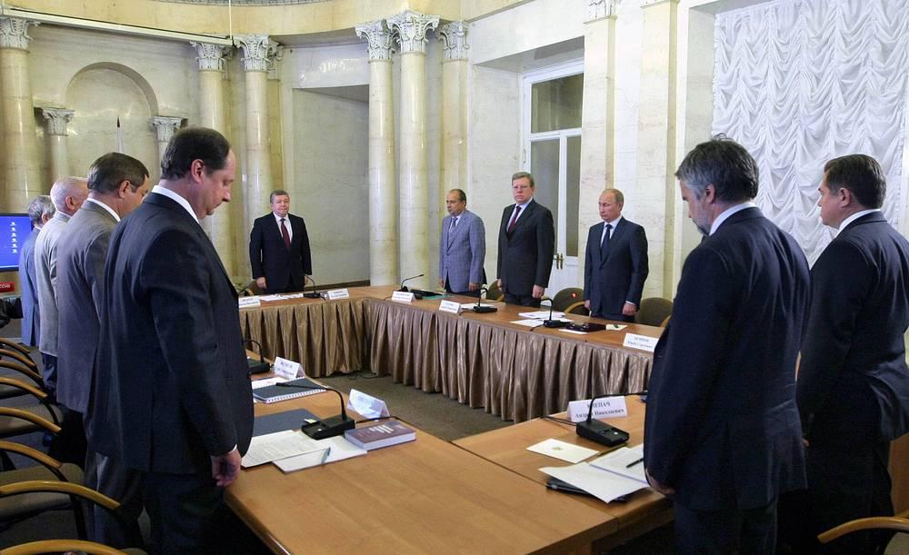 Владимир Путин поручил Ростехнадзору и Ространснадзору провести тщательное расследование ЧП