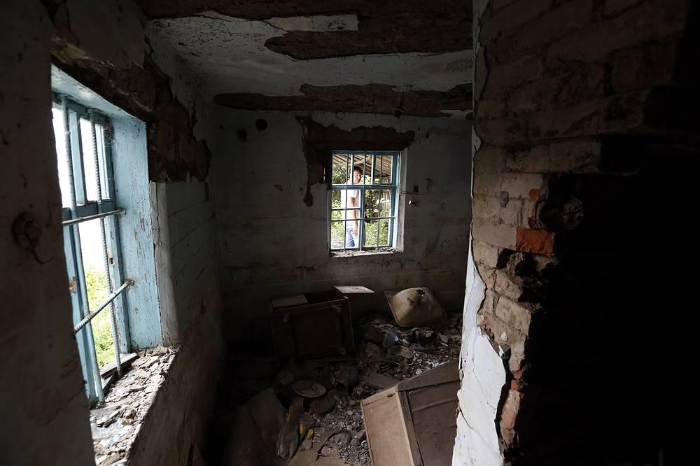 Из федерального бюджета на проведение капитального ремонта поврежденных домов было перечислено 2 млрд 200 млн рублей. Но некоторые дома до сих пор пустуют, июль 2014 года