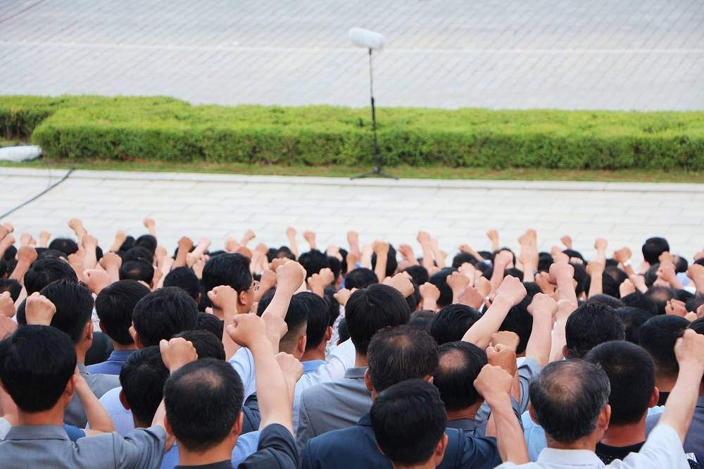 Корейская война остается, пожалуй, самой чувствительной темой для жителей КНДР. Однако своим главным врагом они считают не южан, а США - официально годовщина начала конфликта 25 июня отмечается как День борьбы с американскими империалистами