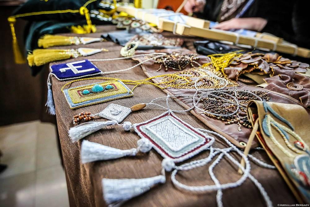 То, что делают мастера и ремесленники региона — это не просто сувениры, а уникальные, неповторимые шедевры искусства, соединившие многовековые традиции и современные технологии производства