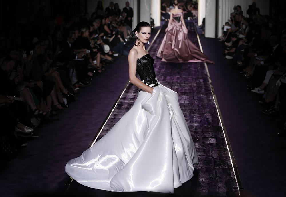 Коллекция итальянского дизайнера Донателлы Версаче для Versace