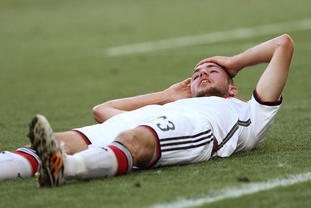 Кристоф Крамер, заменивший в стартовом составе сборной Германии Сами Хедиру, не смог продолжить матч из-за травмы