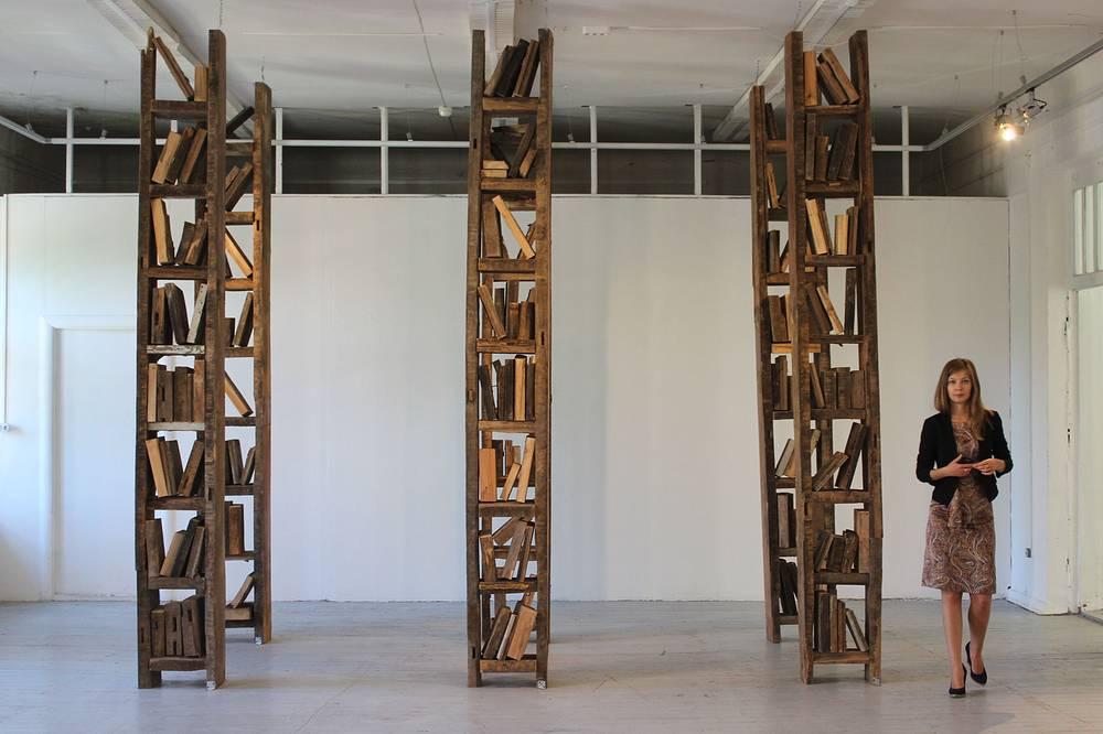 """Петр Белый. """"Библиотека Пиноккио"""". Инсталляция. Дерево. 2008 год"""