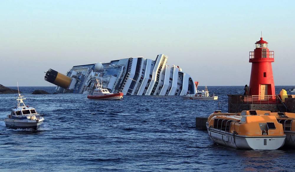 Лайнер Costa Concordia потерпел крушение у берегов Тосканы в ночь на 14 января 2012 года