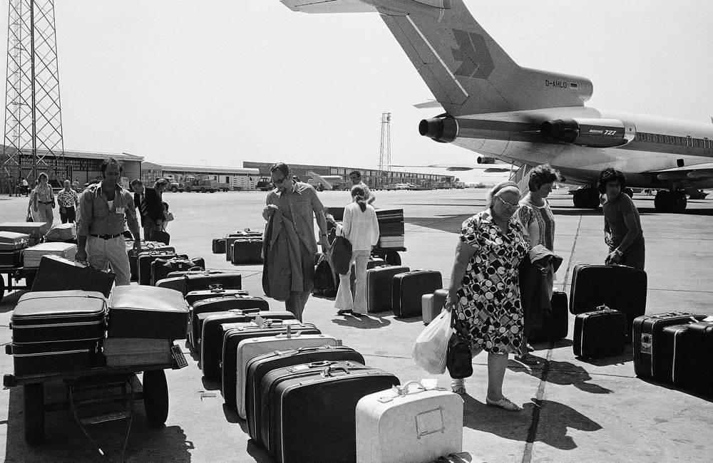 Туристы покидают Кипр, 19 июля 1974 года
