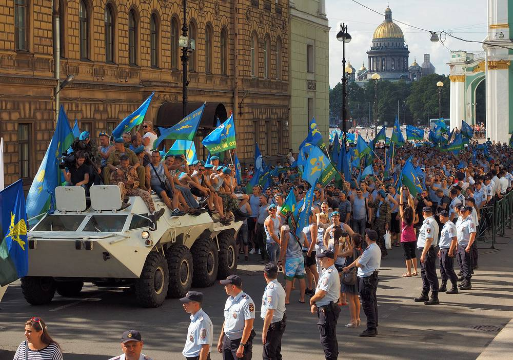 Парад десантников в Санкт-Петербурге