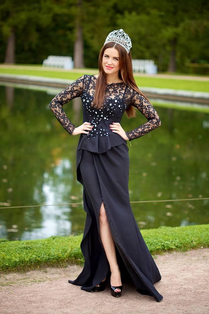 Жительница Санкт-Петербурга Юлия Ионина завоевала в Эквадоре титул Queen Beauty World