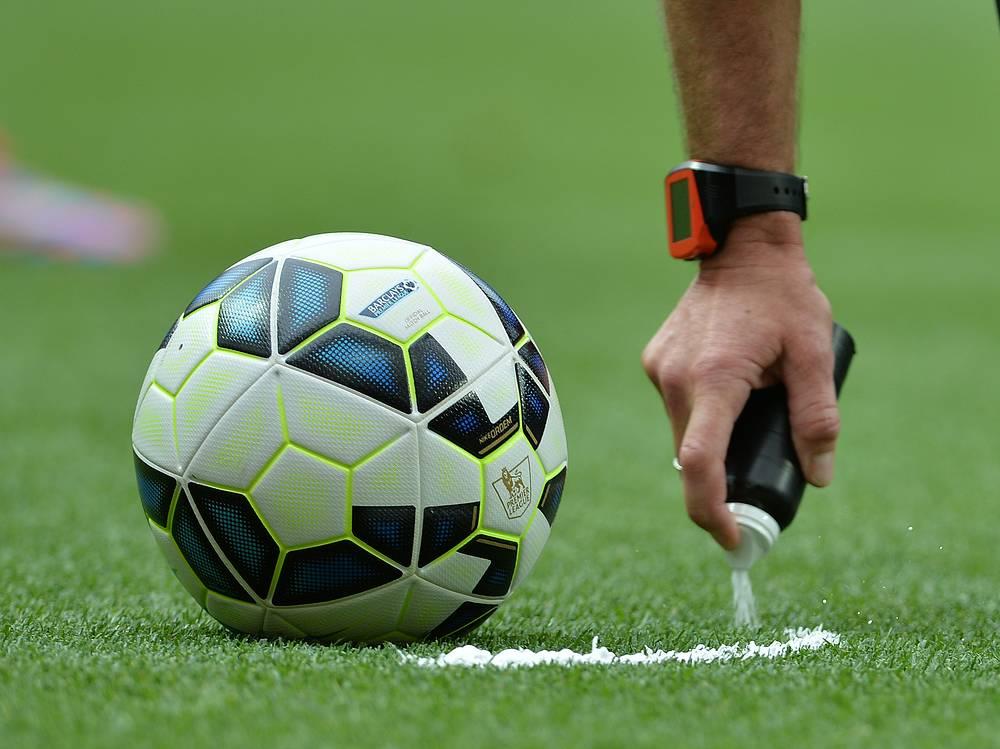 С этого сезона в английской премьер-лиге используется исчезающий спрей
