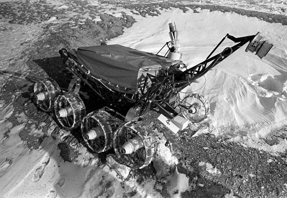 """Действующая модель """"Лунохода-2"""" на лунодроме, 1973 год"""
