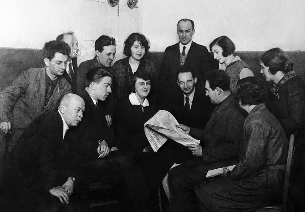 Ответственный редактор Михаил Кантор на пресс-бюро ТАСС, 1928 год