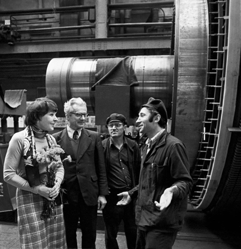 """Во время встречи с работниками предприятия """"Электросила"""", 1979 год"""
