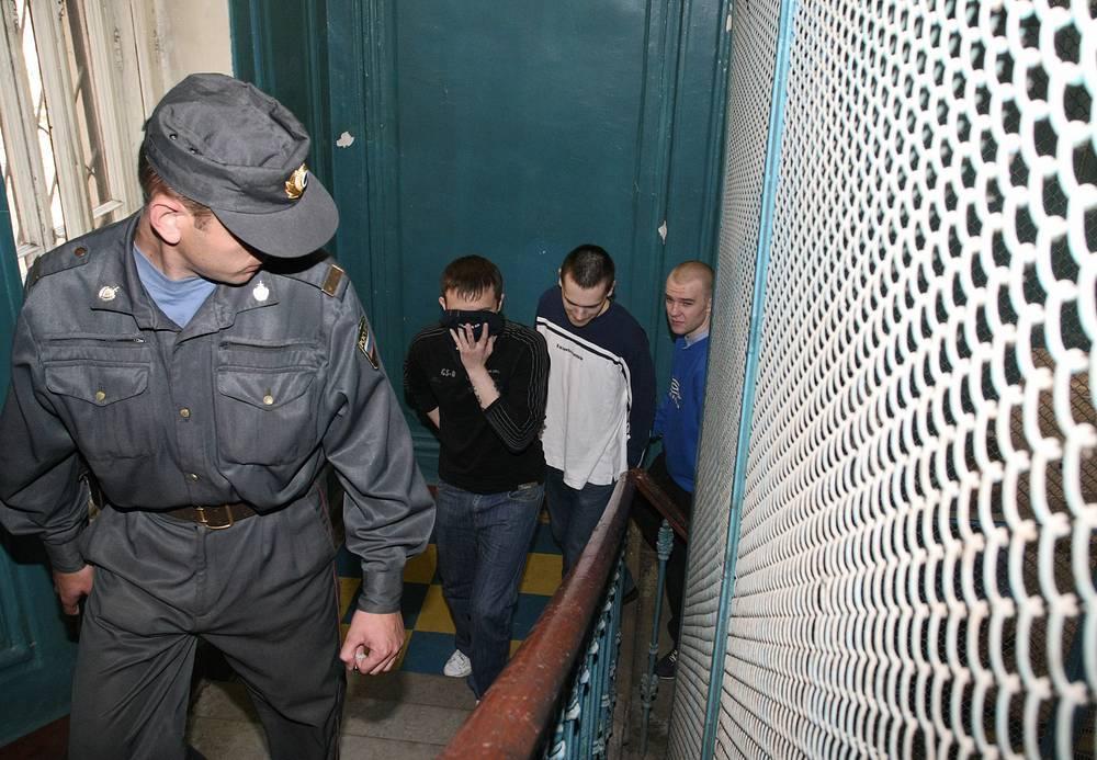 Трое предстали перед судом в июле 2008 года