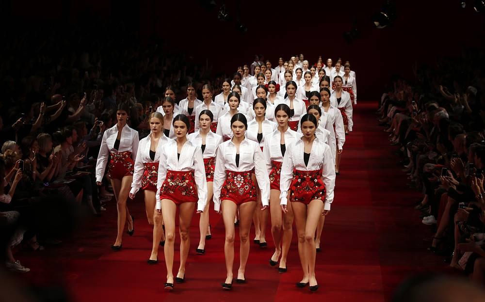 Показ модного дома Dolce & Gabbana