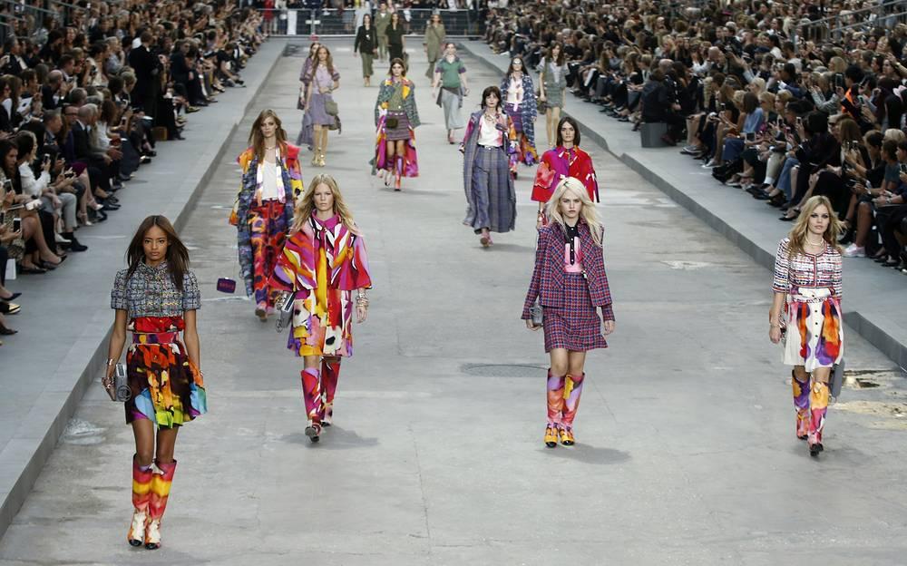 Показ новой коллекции Карла Лагерфельда для Chanel