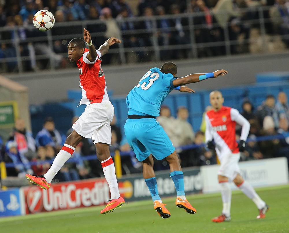"Игроки ""Монако"" Жоффрей Кондогбиа и ""Зенита"" Хосе Саломон Рондон (слева направо)"