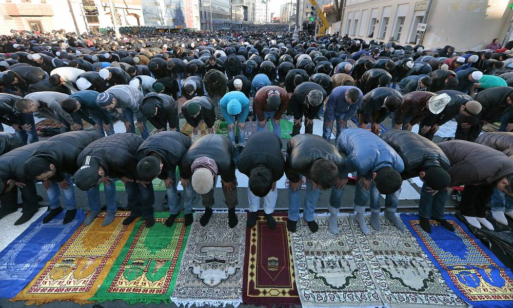 4 октября - в последний месяц исламского календаря - мусульмане отметили праздник жертвоприношения Курбан-байрам