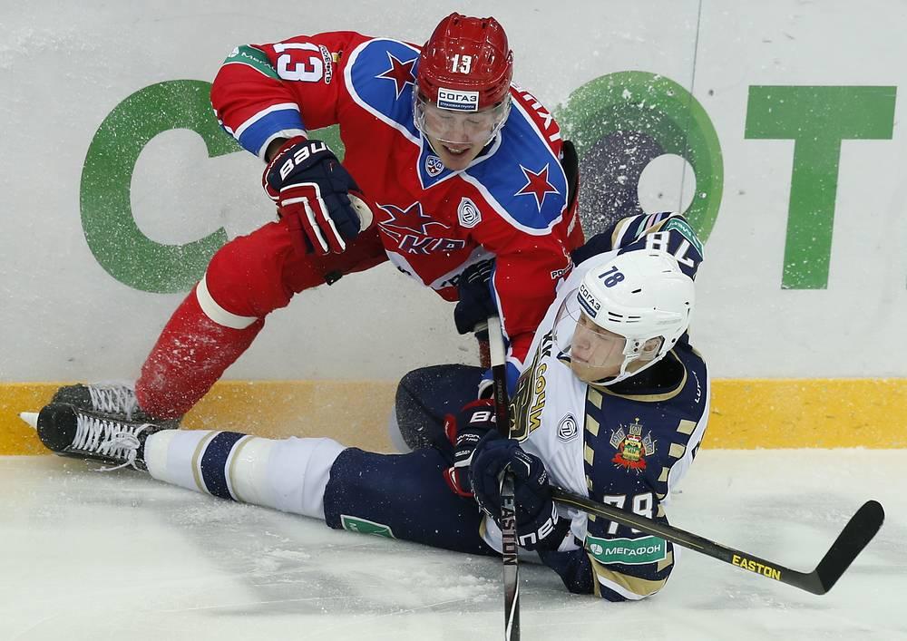Роман Любимов (слева) против Юрия Паутова