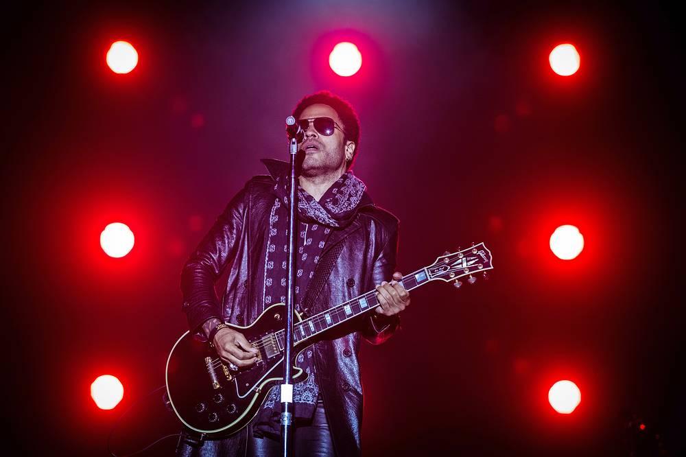 """После квалификации на территории """"Сочи Автодрома"""" состоялся концерт знаменитого американского рок-музыканта Ленни Кравица"""