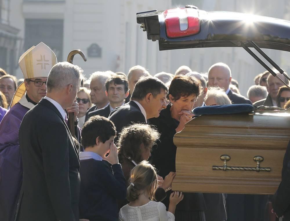 Похороны пройдут 28 октября в первой половине дня. На них будут присутствовать только родные и близкие покойного