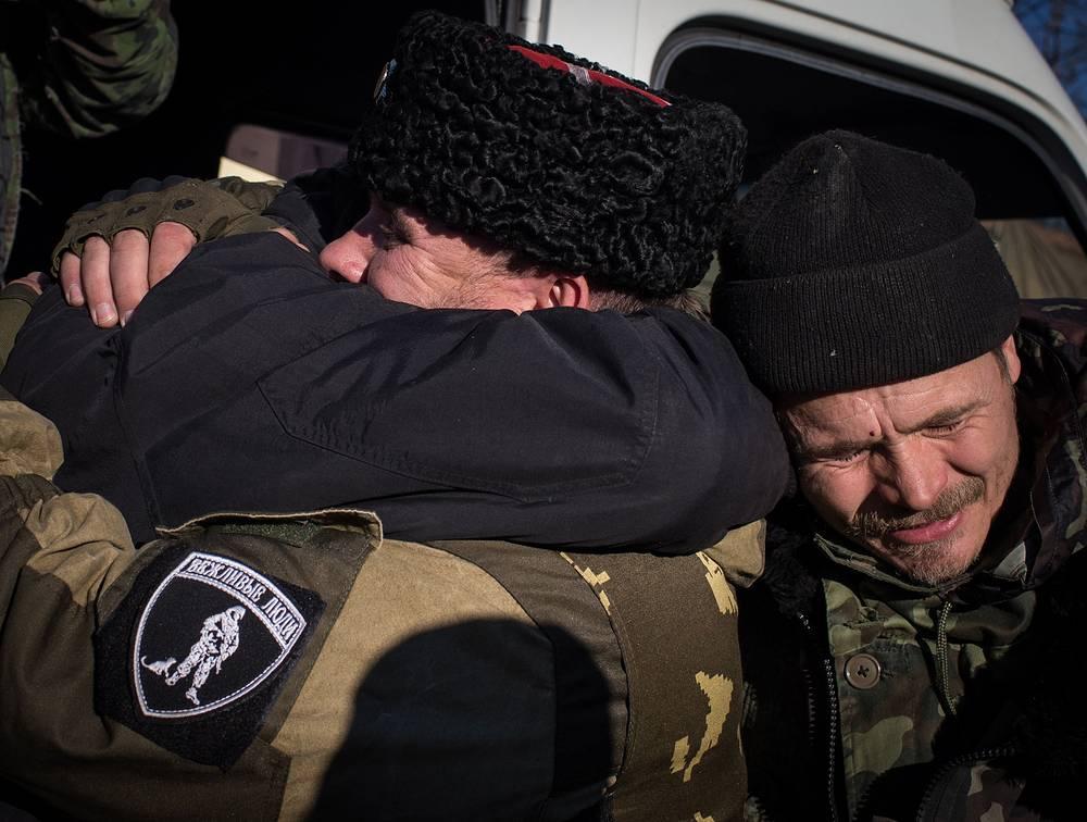 """В Луганской народной республике обмен прошел 14 октября по формуле """"13 ополченцев на 14 силовиков"""""""
