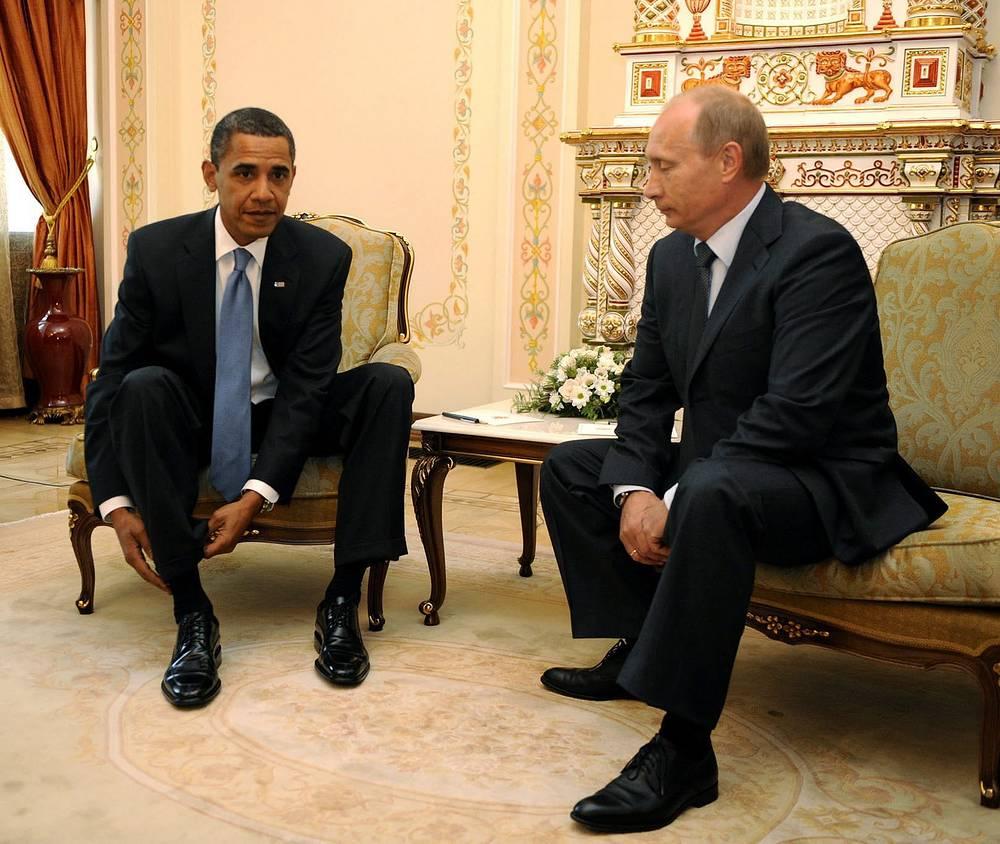 Впервые политики встретились в Москве в 2009 году, когда президент США посетил Россию с рабочим визитом. Путин в тот момент занимал должность премьер-министра. На фото: в Ново-Огареве, 2009 год