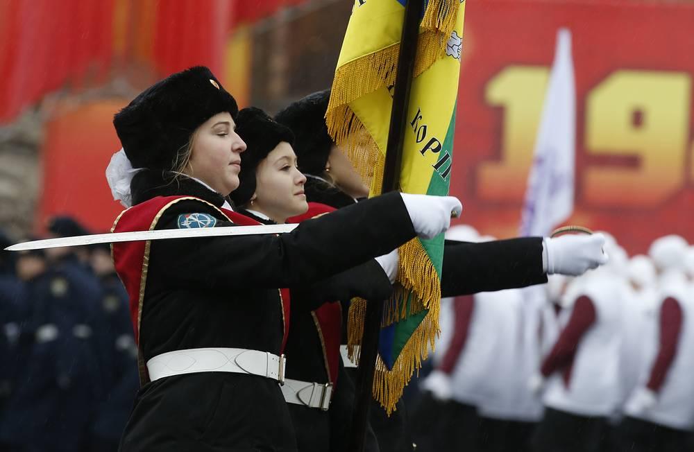 Также участие в мероприятии приняли воспитанники Московского суворовского училища и кадетских школ столицы, юные члены военно-патриотических клубов и поисковых отрядов