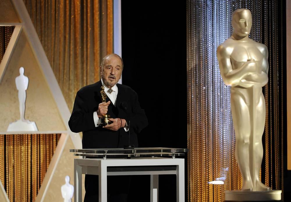 Лауреат премии французский режиссер Жан-Клод Карьер