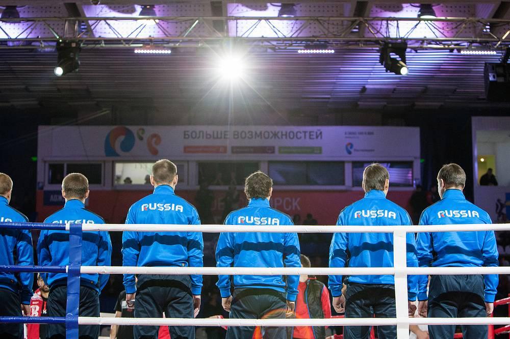 Сборная Сибири в итоге обошла сборную Кавказа со счётом 8:2