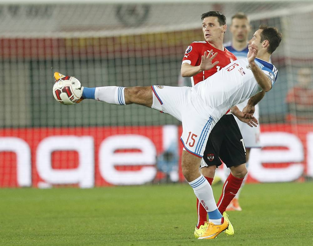 Во встрече с командой Австрии состоялось возвращение в сборную России полузащитника Романа Широкова