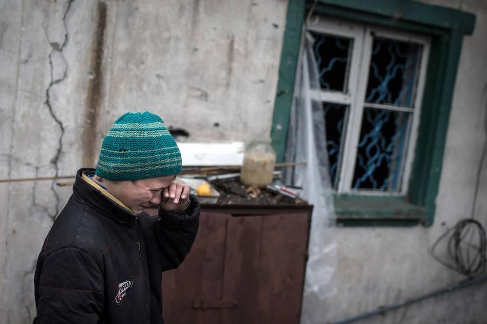 """В ООН обращают внимание на поступающую информацию о случаях похищений людей вооруженными группами, а также """"насильственных исчезновениях и произвольных задержаниях на территории, контролируемой украинским правительством"""". На фото: последствия обстрелов города Первомайск Луганской области"""
