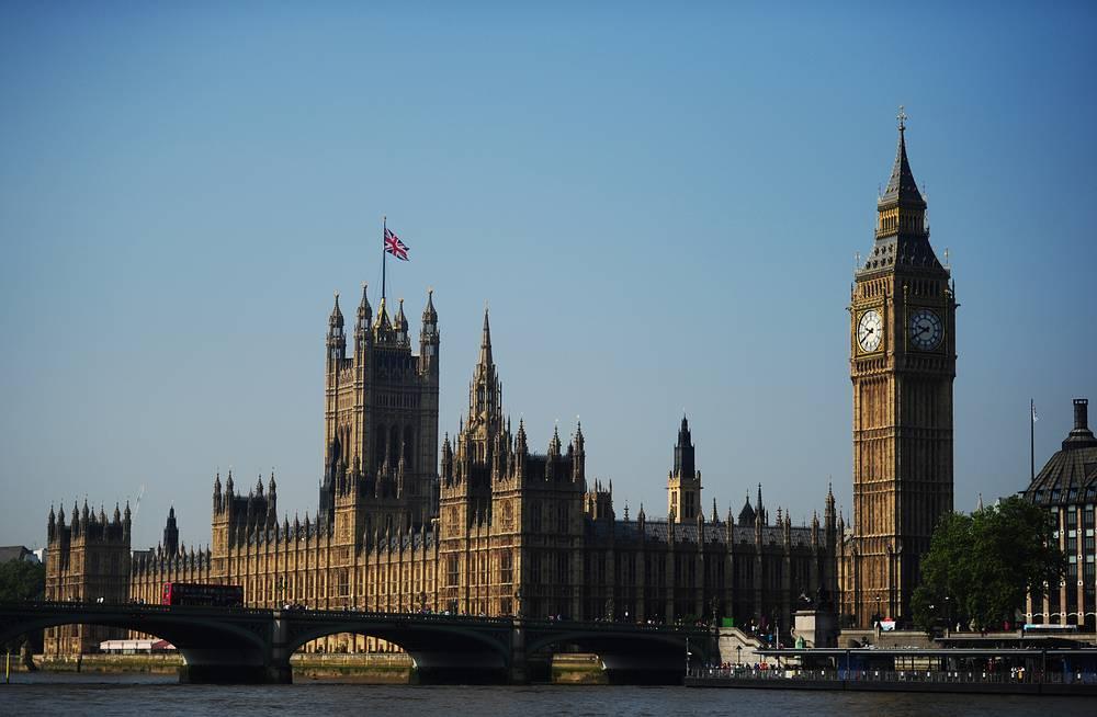 Вид на здание парламента и Биг-Бен в Лондоне, Великобритания