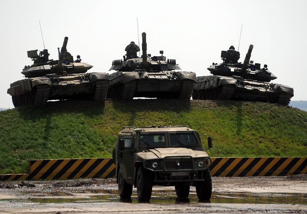 """СТС """"Тигр"""" и танки Т-90,Т-80 на международном форуме """"Технологии в машиностроении-2010"""" в Жуковском"""
