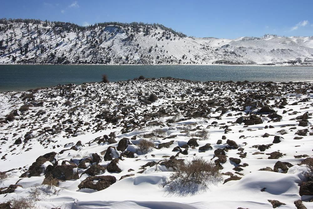 Горное озеро Сиди Али зимой приобретает поистине волшебный вид