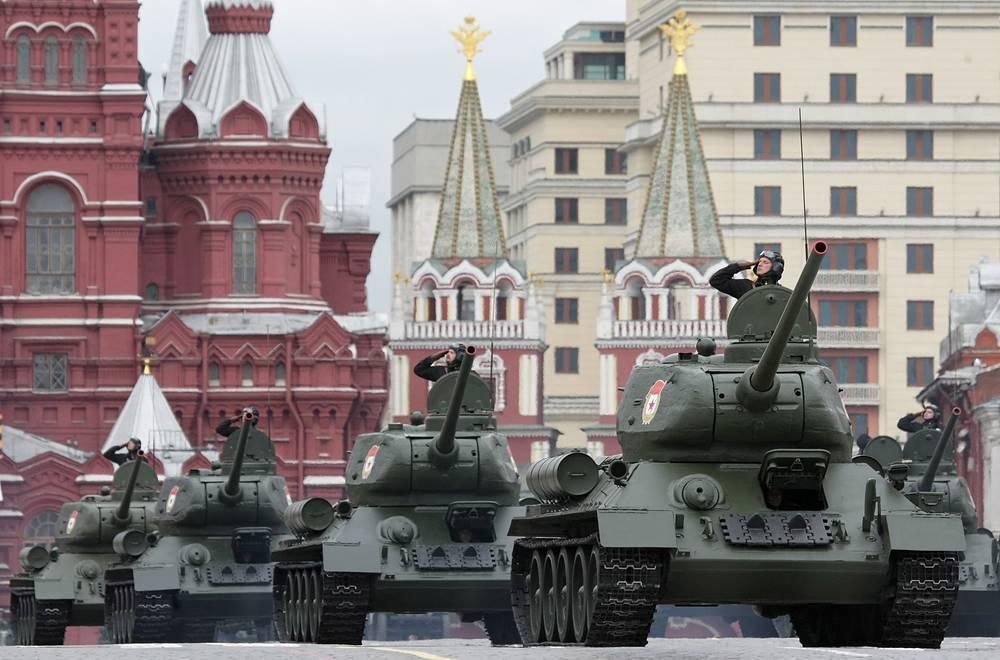 Генеральная репетиция Парада Победы в Москве, апрель 2010 года