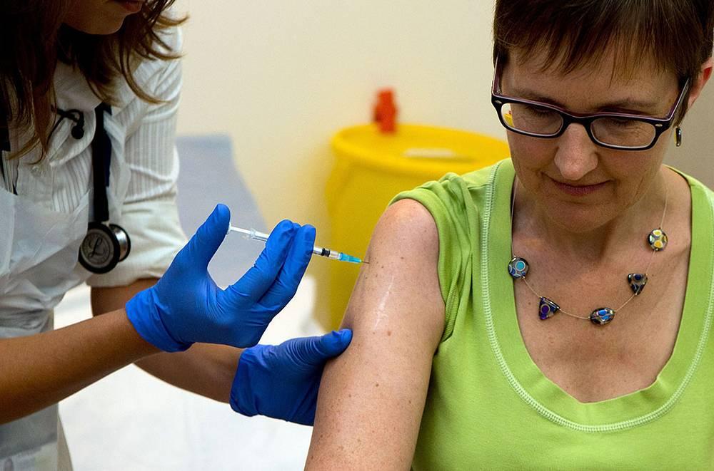 Испытания вакцины против вируса Эбола проходят и в Великобритании. 48-летняя Рут Аткинс стала первым добровольцем, которая приняла решение испытать на себе экспериментальную вакцину