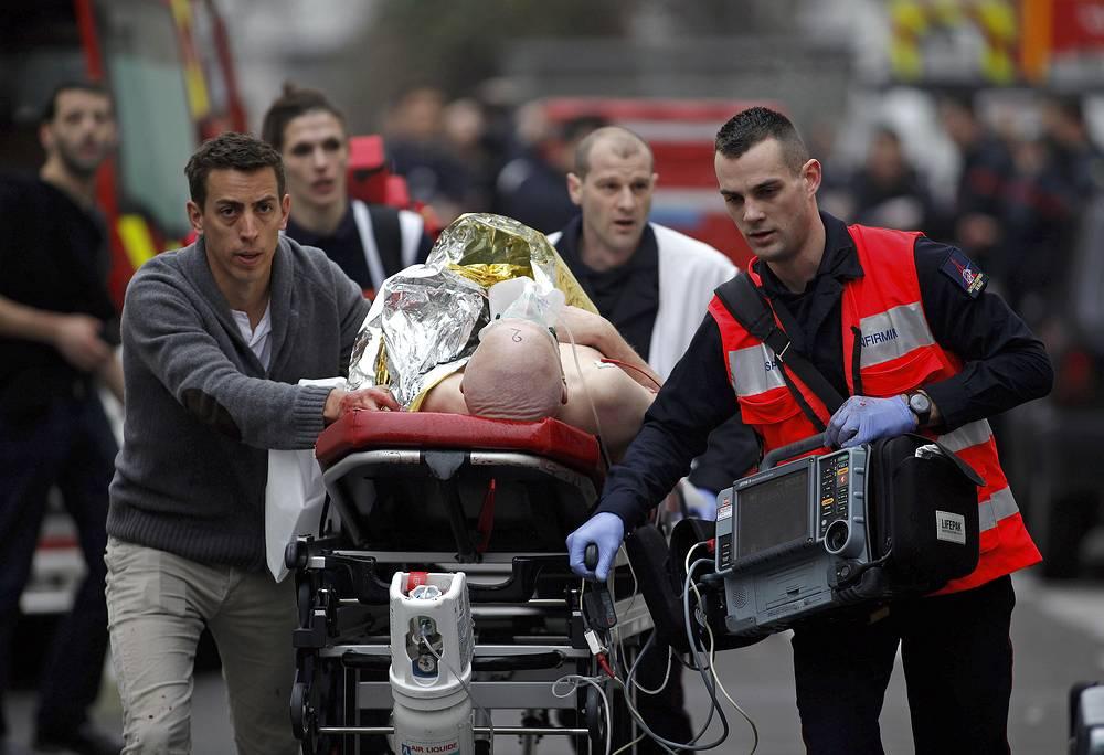 Несколько человек получили тяжелые ранения